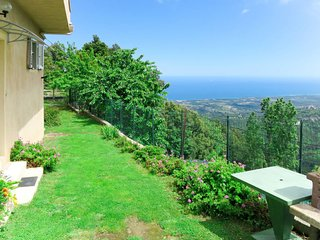 2 bedroom Villa with Walk to Shops - 5649934