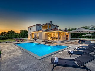 Beautiful Villa Lumi, near Zadar, with a Pool