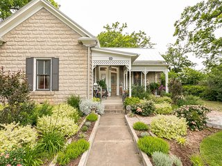 Forget Me Not (Entire House) | Fredericksburg Vacation Rental