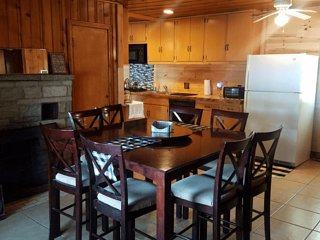 LOST LAKE GETAWAY (Hawks, MI): Relax here--Cozy, all-season cabin! ATV's welcome