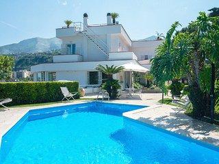 Stunning Villa Vesuvian view
