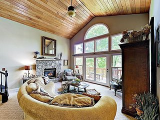 Pisgah Cottage | Serene Hideaway with Mountain Views, Near Downtown Brevard