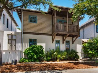 New Rental! Summer Discounts! Beautiful Rosemary Beach Home w/Private Courtyard