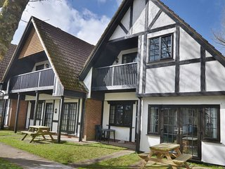 25 Tudor Court, Tolroy Manor - Located in the beautiful wooded grounds of Tolroy