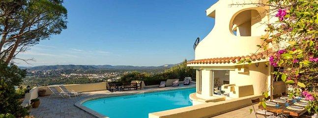 Marina di Fiori Villa Sleeps 12 with Pool and Air Con - 5805912, holiday rental in Porto-Vecchio