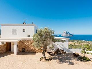 Cala Vadella Villa Sleeps 8 with Pool and WiFi - 5805535