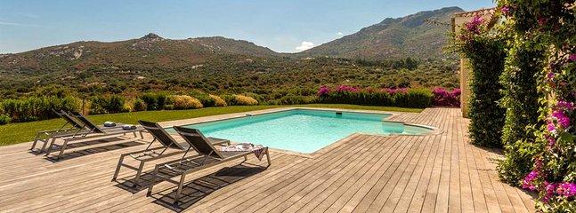 Marine de Sant'Ambrogio Villa Sleeps 8 with Pool and Air Con - 5805915, holiday rental in Marine de Saint Ambroggio