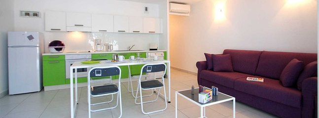 L'Ile-Rousse Holiday Home Sleeps 2 with Pool and Air Con - 5805865