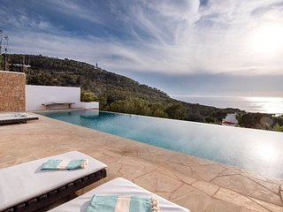 Cala Vadella Villa Sleeps 6 with Pool Air Con and WiFi - 5805462
