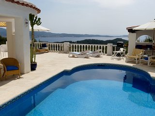 Cala Gracio Villa Sleeps 6 with Pool Air Con and WiFi - 5805467