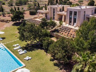 Es Cubells Villa Sleeps 8 with Pool and WiFi - 5805595