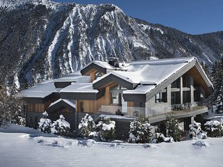6 bedroom Chalet with Pool - 5804708