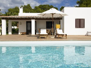 Cala Bassa Villa Sleeps 6 with Pool Air Con and WiFi - 5805471