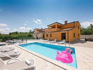 3 bedroom Villa with Pool, Air Con and WiFi - 5803616