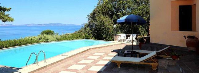 Alghero Villa Sleeps 6 with Pool - 5805762, location de vacances à Villanova Monteleone