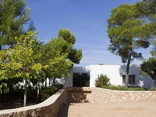 Cala Bassa Villa Sleeps 12 with Pool Air Con and WiFi - 5805587