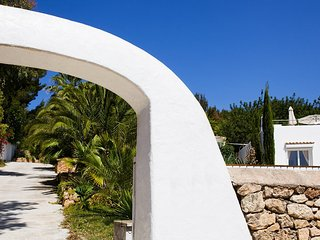 San Agustin des Vedra Villa Sleeps 8 with Pool Air Con and WiFi - 5805542