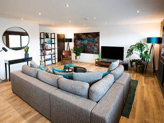 3Bed Penthouse Loft Apartment