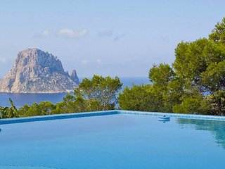 Cala Vadella Villa Sleeps 8 with Pool Air Con and WiFi - 5805481