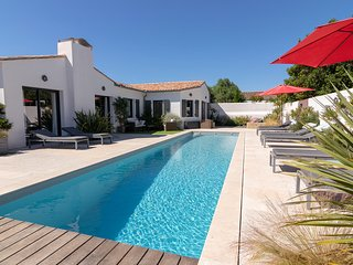 6 bedroom Villa with Pool and WiFi - 5804567