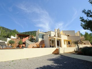 Cala Tarida Villa Sleeps 6 with Pool Air Con and WiFi - 5805563