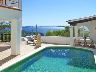 Cala Gracio Villa Sleeps 8 with Pool Air Con and WiFi - 5805470