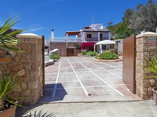 Ses Paisses Villa Sleeps 8 with Pool Air Con and WiFi - 5805458