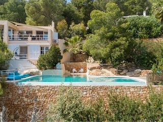 Es Cubells Villa Sleeps 8 with Pool Air Con and WiFi - 5805599