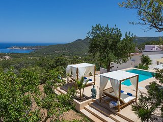 Sant Joan de Labritja Villa Sleeps 7 with Pool Air Con and WiFi - 5805557