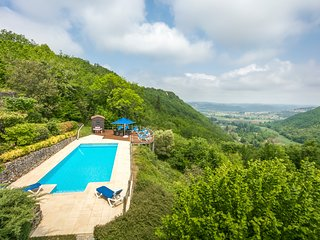 Castelnaud-la-Chapelle Villa Sleeps 8 with Pool and Air Con - 5502951
