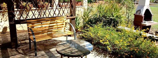 Tenuta Sella e Mosca Villa Sleeps 2 with Pool and Air Con - 5805800, vacation rental in Olmedo