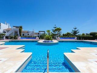 Club Sierra Apartment, con Piscinas compartidas y terraza