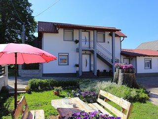 Room Vrhovine, Plitvice (S-17544-a)