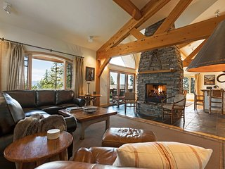 Spectacular Whitefish Mountain Resort home with direct Ski In and Ski Out access