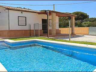 Bungalow en Conil con piscina