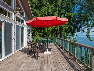 Affordable Bottle Bay Waterfront Home with Dock