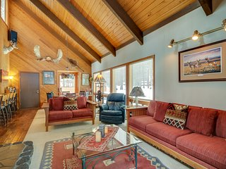 Rustic cabin with a private patio and shared pools, hot tubs & resort amenities!