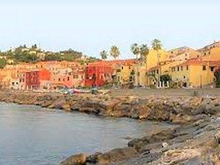 Appartamento con giardino a 300m dalle spiagge di Imperia - Ap28