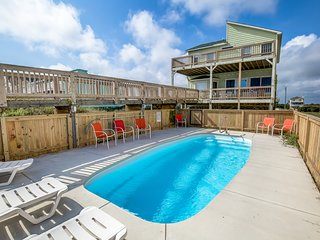 Derrycon | Oceanfront | Dog Friendly, Private Pool, Hot Tub
