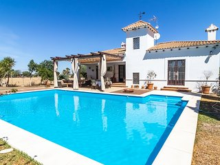 Charming country house in Marchena. Ideal location to visit all Andalusia