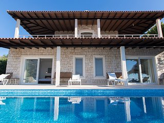 Cape House-waterfront villa with large private infinity pool and private jetty
