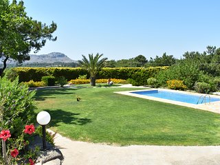 Big Villa with private pool, quiet location, big garden, 3km from the beach