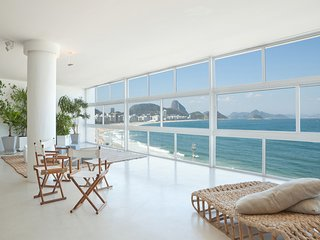 Beach Luxury Oceanfront 5 Bedroom Apartment