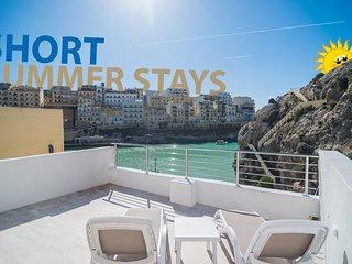 Nicolina - Luxury seafront apartment in quaint seaside village