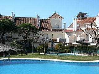 NP0303-Adosado 3 Dormitorios,piscina,wifi,800 metros de playa