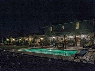 Chambre d'hôtes de charme proche mer avec piscine au calme dans un parc