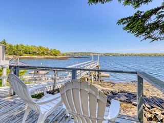 NEW LISTING! Charming oceanfront studio w/deck & dock in Linekin Bay Resort