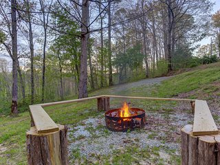 NEW LISTING! Dog-friendly cabin w/forest view, hot tub & fire pit-near town