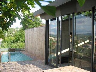Maison en bois climatisee avec piscine privee au coeur de la Provence
