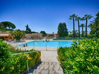 Residence de standing avec piscine et tennis, proche mer